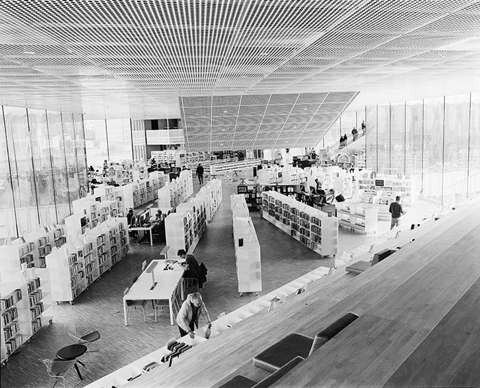 Salle de lecture de la médiathèque Alexis-de-Toqueville, Caen, 2016